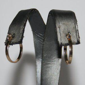 """Beautiful gold hoop earrings .75"""""""